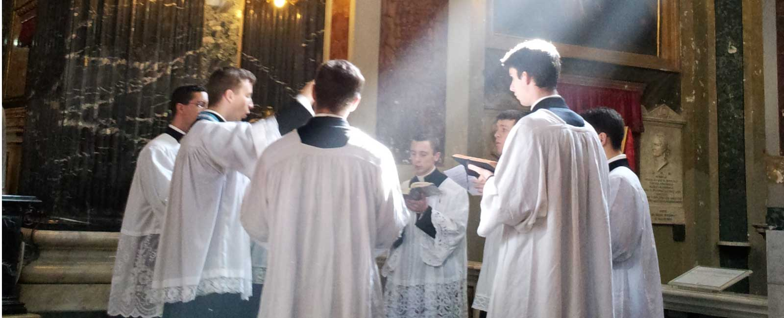 schola-cantorum-chiesa-di-gesu-e-maria-roma