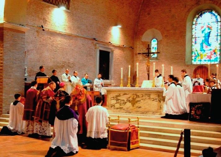 La bellezza della Liturgia. S. E. R. Mons. Fisichella celebra in San Paolo alle Tre Fontane, Roma