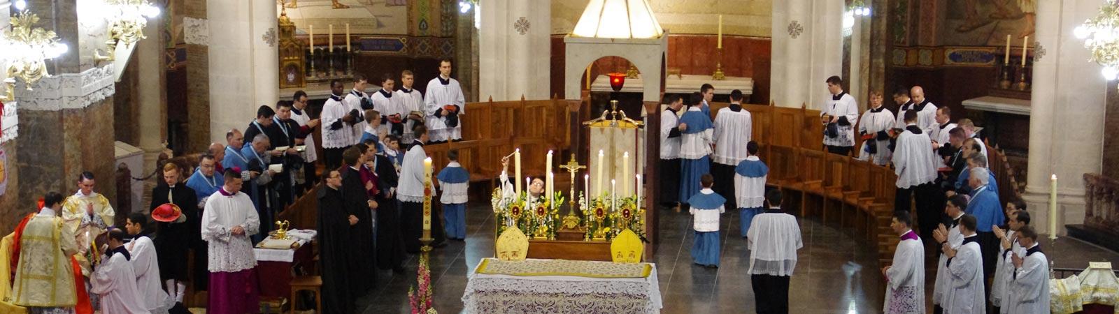 Lourdes-Basilica-del-Rosario-011