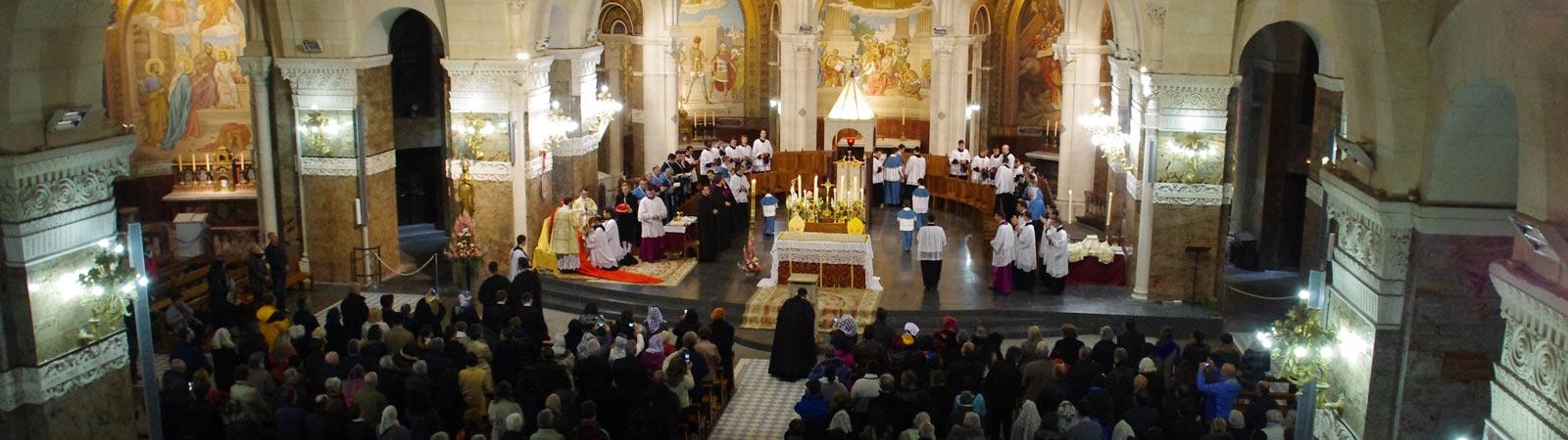 Lourdes-Basilica-del-Rosario-021