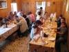 sicilia-042-pranzo-con-i-12-volontari-che-custodiscono-la-madonna-dellalto